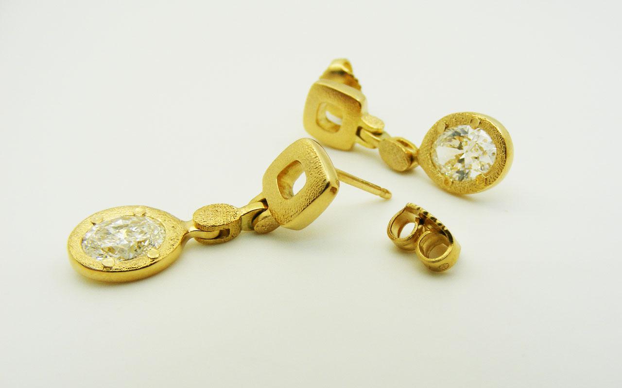 Diamond-Earring-banner