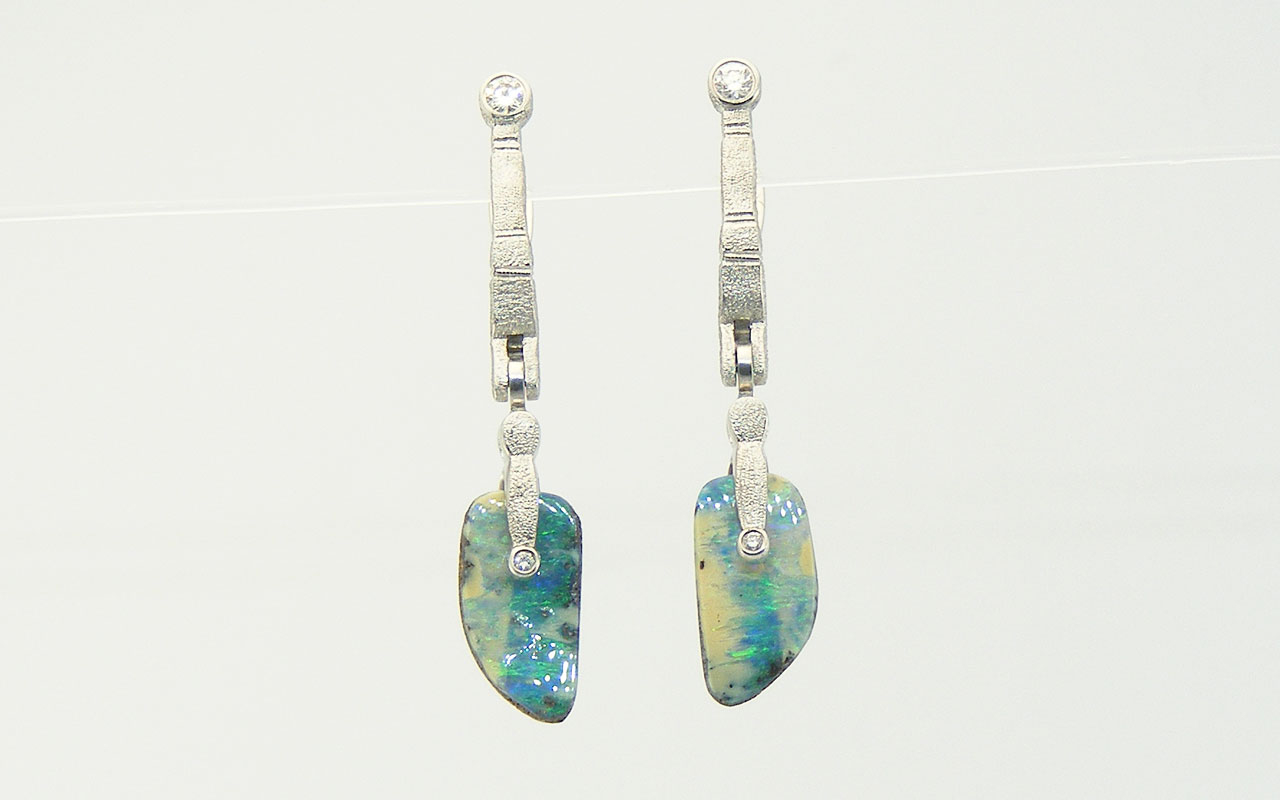 Plat-SS-opal-splits-earrings