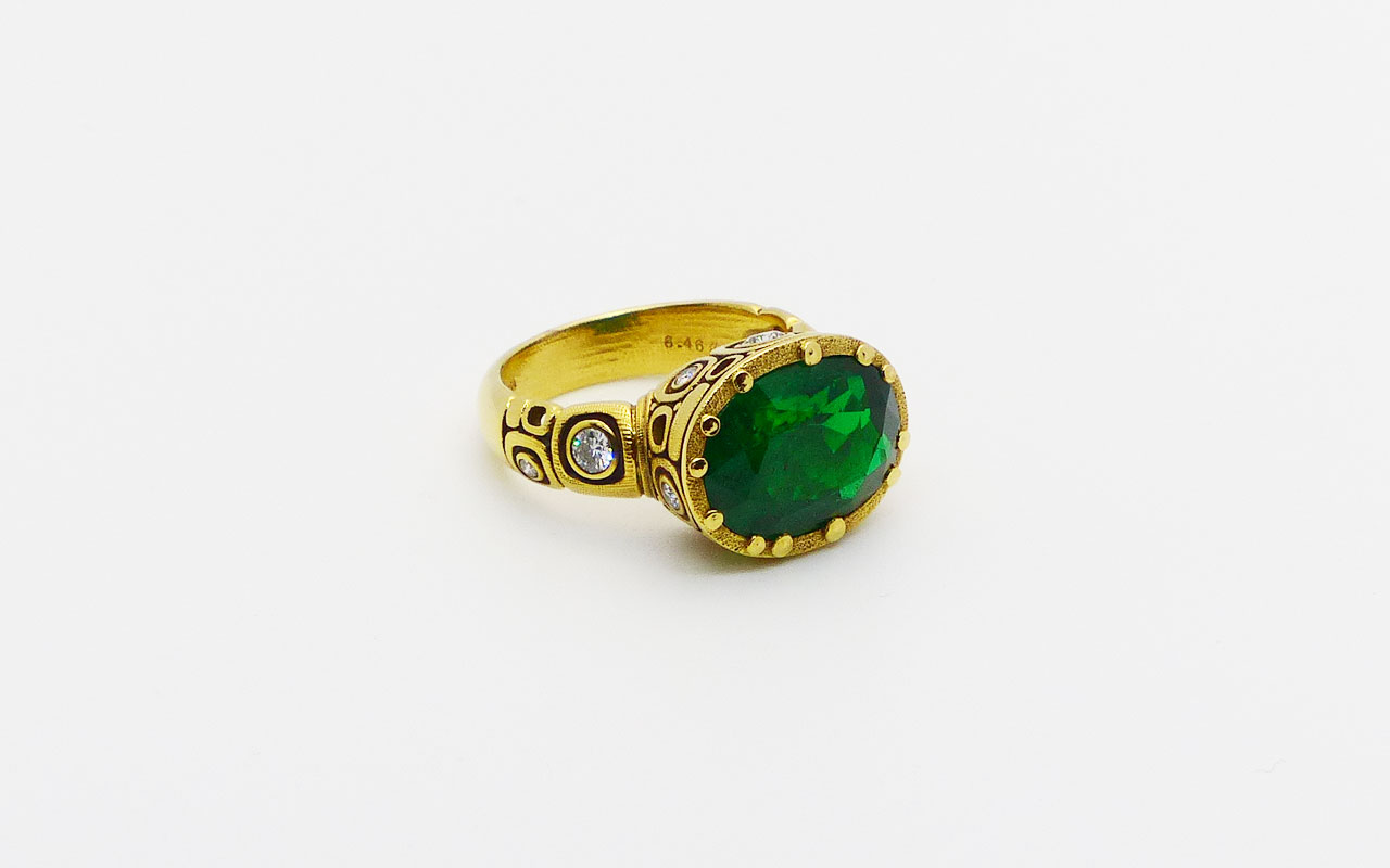 R108-emerald-Little-Windows
