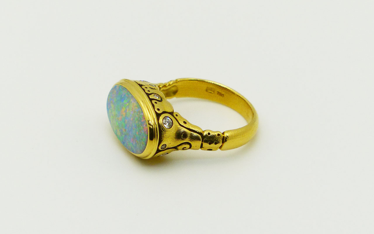 R194-Flora-opal-L