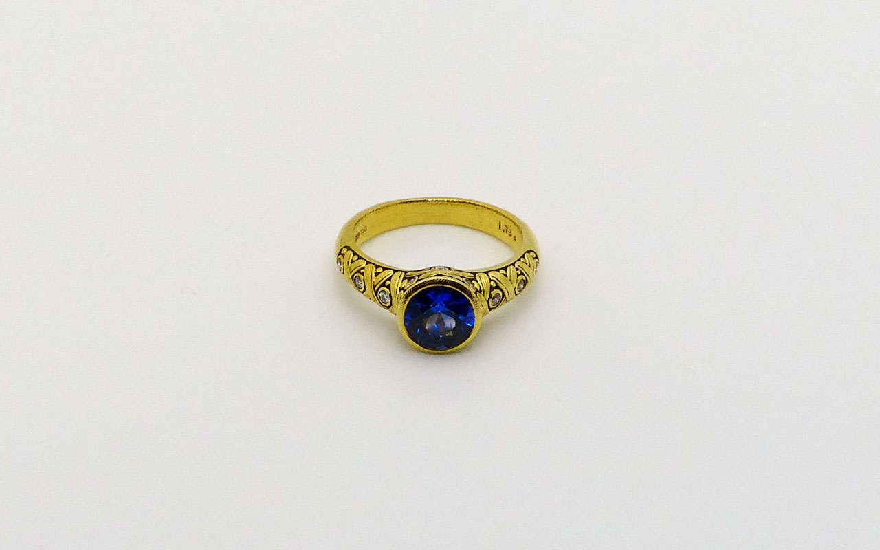 R80-Blue-Sapphire-ring