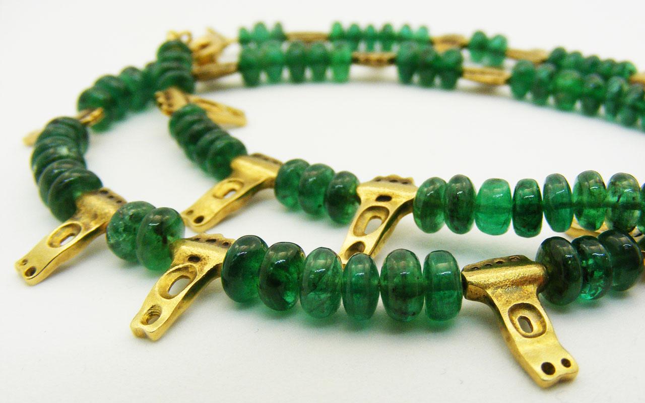 Emerald-necklace-closeup