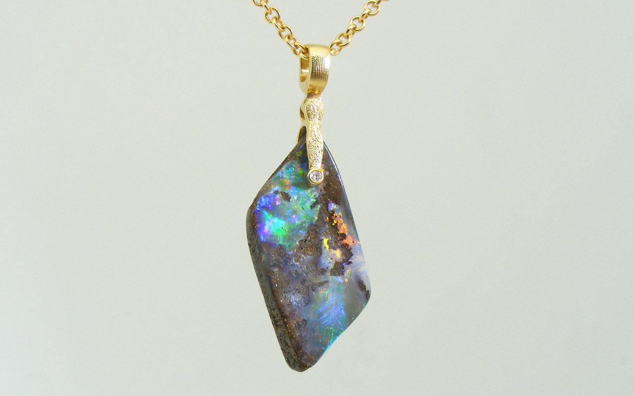 SS-flashy-opal-hangs