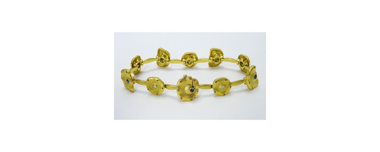 web Pillow bracelet circle